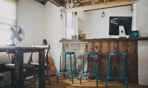 バーカウンターの椅子