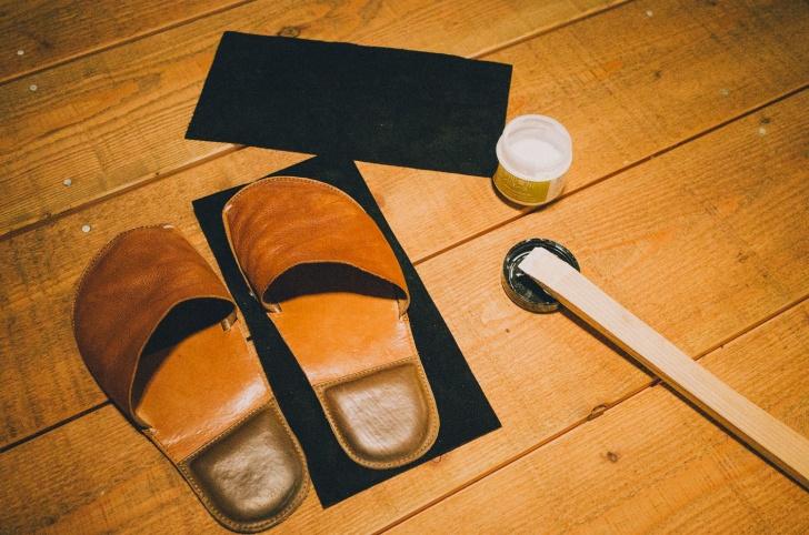 革製室内履きの補修