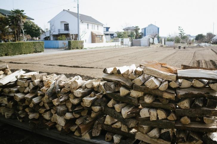 薪置き場増設
