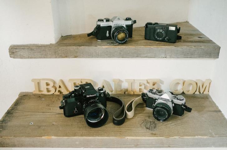 押入れの中で眠っているフィルムカメラを復活させよう。写真が楽しくなるよ