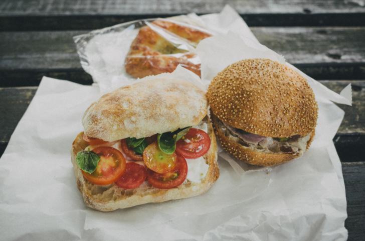 ハード系パンが超絶おいしい。お気に入りのパン屋『Backerei BROTZEIT』