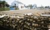 ポタジェガーデンの端っこに薪置き場を増設